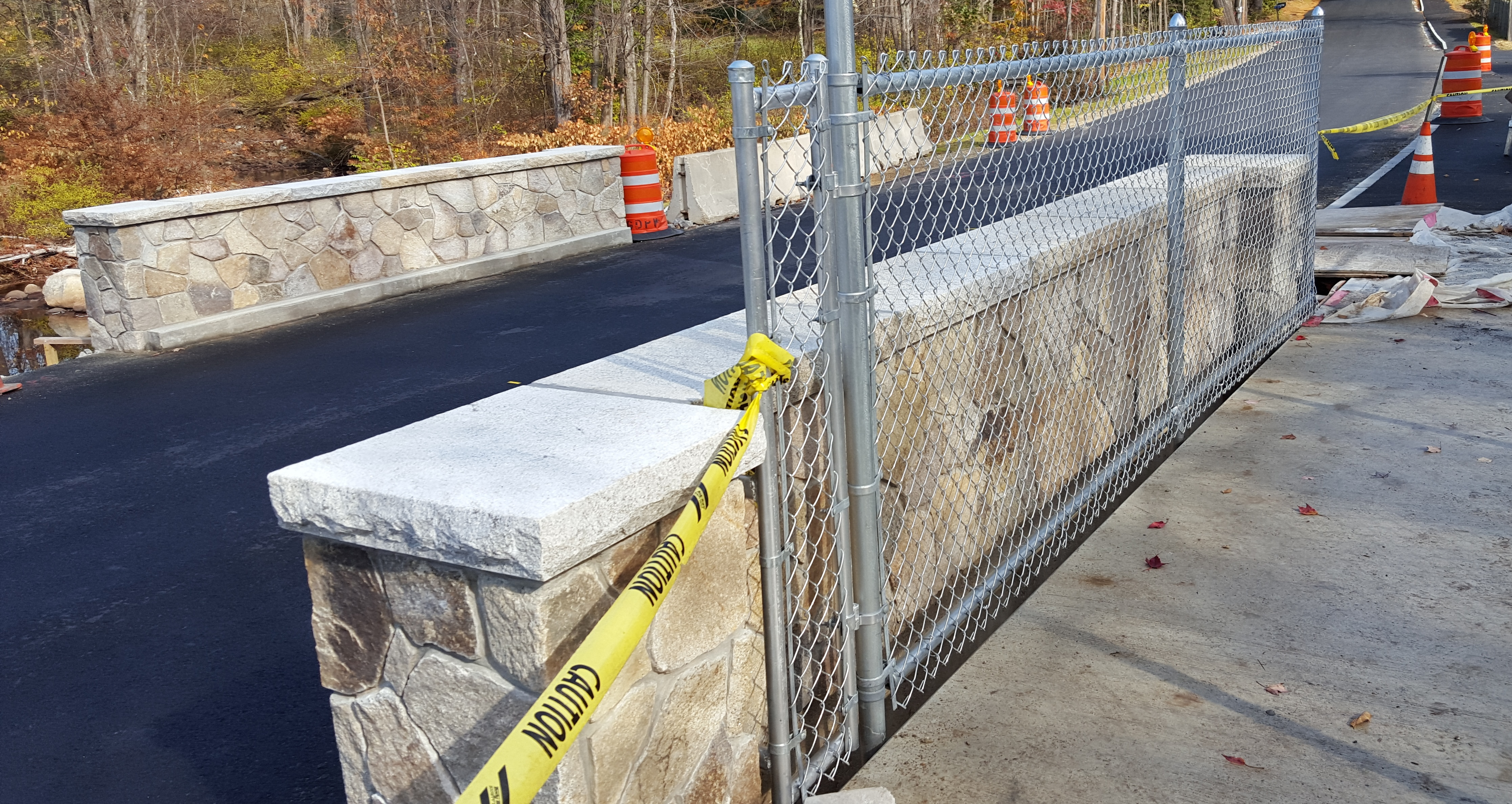 NBR Bridge fencing and curb closeups Oct 22 2015 4